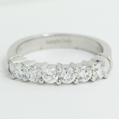 2.7-2.0mm Tapered Design Six Diamonds Band 14k White Gold