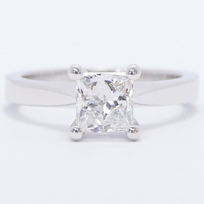 E93985P-Tapered Solid Style Princess Cut Engagement Ring 14k White Gold